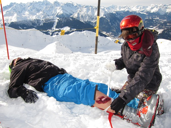 First aid after a simulated accident on the pistes in Verbier