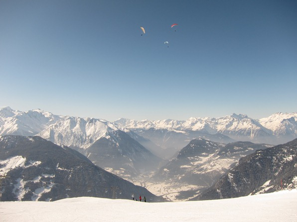 Paragliders over the pistes near Ruinettes, Verbier