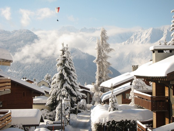 Verbier, looking down Chemin du temple, with paraglider