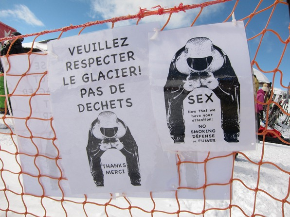 """Sex - No LItter"" sign at a speed skiing contest in Verbier"